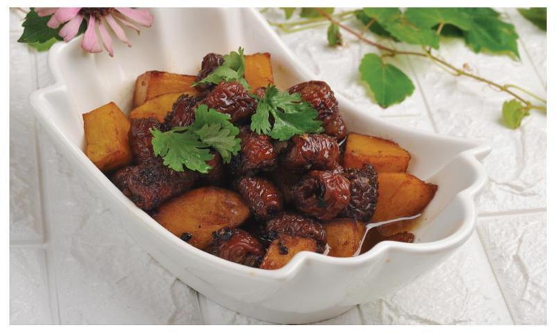 「小古美食」- 口感绵软爽口的土豆烧肥肠这样做!